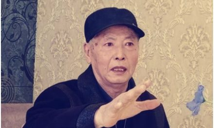 """鸿路:小城的""""戏霸""""——文革记忆"""