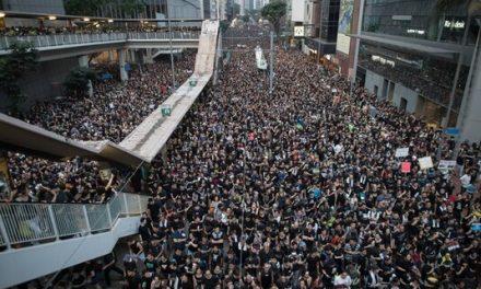 议报社论:向香港致哀
